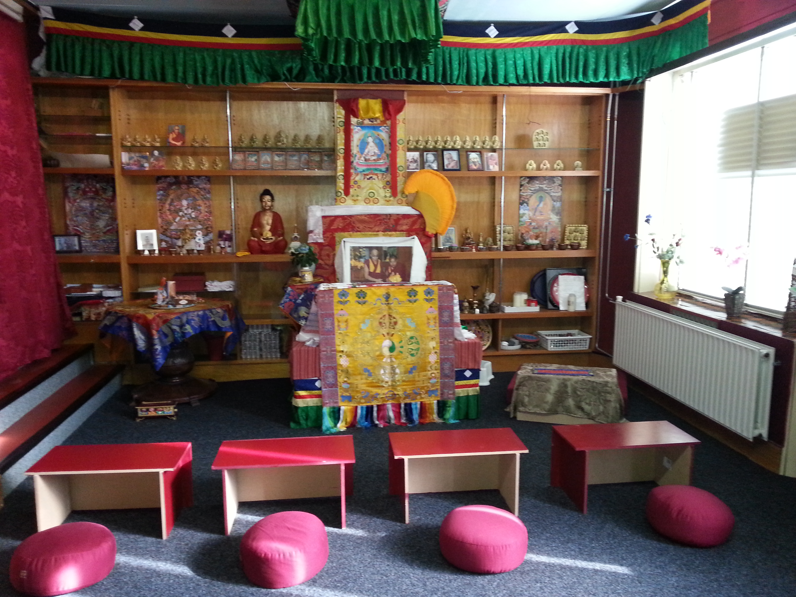 Gompa Troon